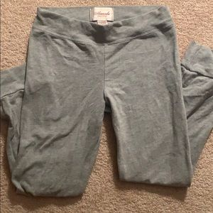 Abercrombie and Fitch leggings in gray